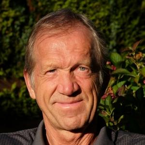 Speaker - Ulrich Gross T